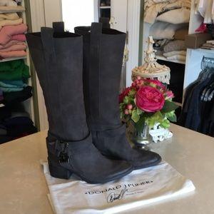 NWOB chic Donald Pliner boots
